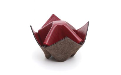 PIPES/ITEMS HOLDER ORIGAMI BROWN AND AMARANTH