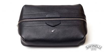 MAN TRAVEL TROUSSE BLACK